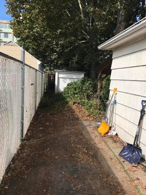 Single Family - Detached 372 Union Avenue  Staten Island, NY 10303, MLS-1114038-2