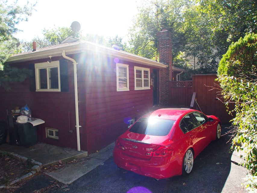 Single Family Home for Sale at 69 Longview Road Staten Island, New York 10304 United States