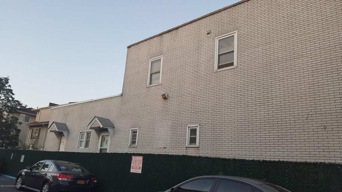 Additional photo for property listing at 139 Father Capodanno Boulevard  Staten Island, New York 10305 United States