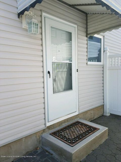 Single Family Home for Rent at 33 Laredo Avenue Staten Island, New York 10312 United States
