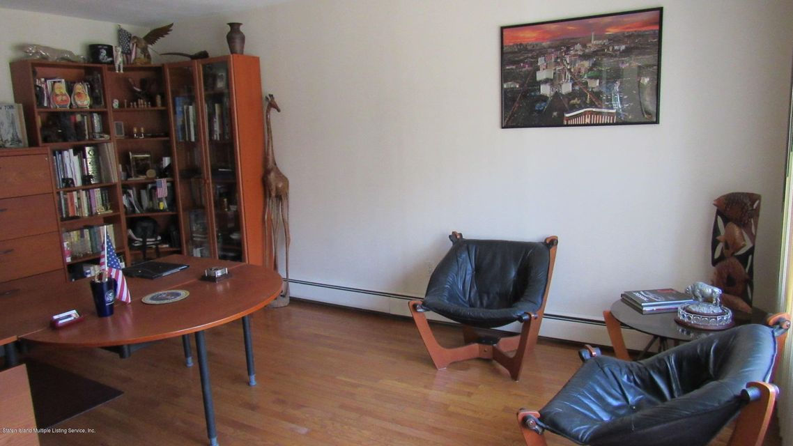Additional photo for property listing at 10 Wilson Terrace  Staten Island, New York 10304 United States