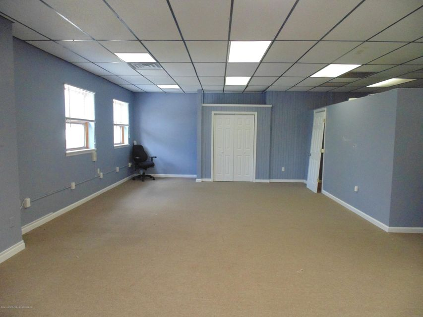 Additional photo for property listing at 4459 Amboy Road  Staten Island, New York 10312 United States
