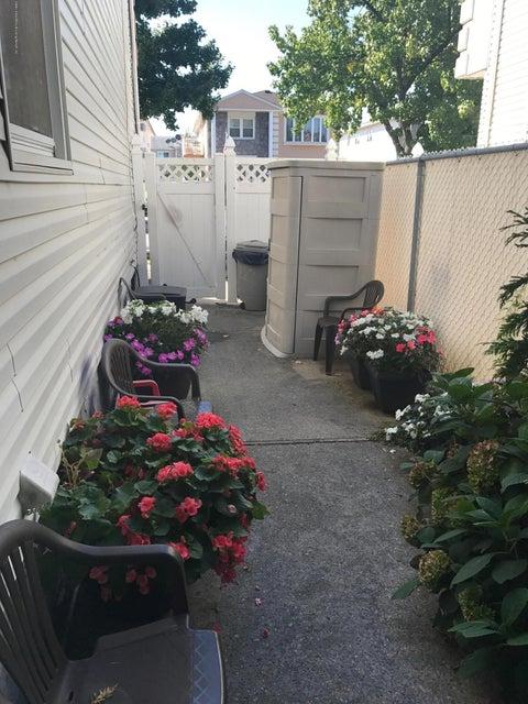 Single Family - Semi-Attached 227 Malone Avenue  Staten Island, NY 10306, MLS-1114153-21