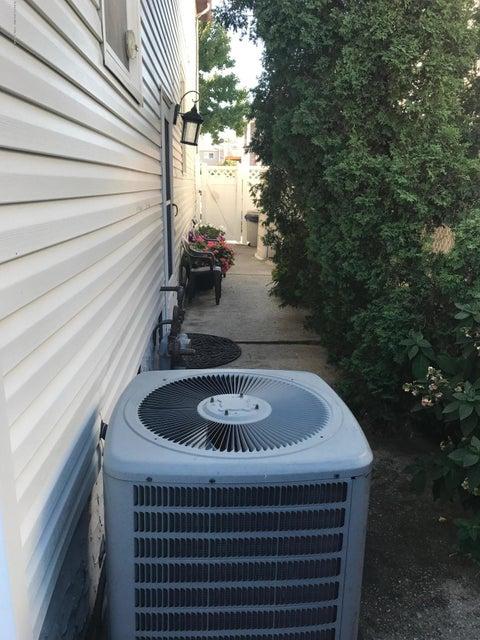 Single Family - Semi-Attached 227 Malone Avenue  Staten Island, NY 10306, MLS-1114153-23