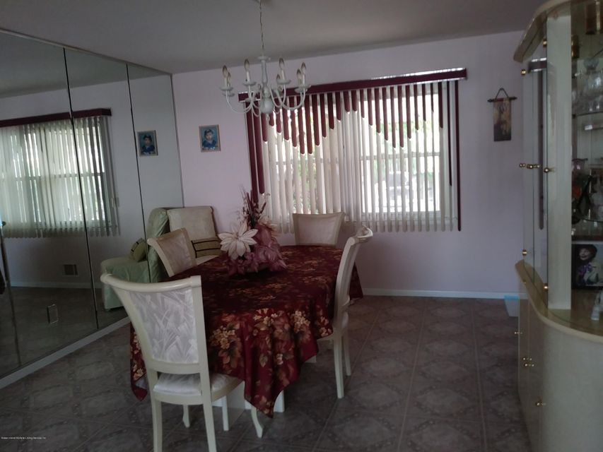 Additional photo for property listing at 15 Greaves Court  Staten Island, New York 10308 United States