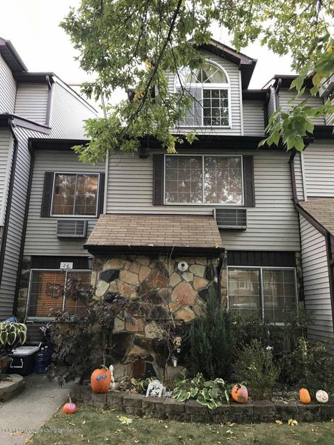 Single Family - Attached in Richmond Town - 24 Croft Court  Staten Island, NY 10306