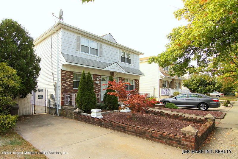 Single Family Home for Sale at 384 Cortelyou Avenue Staten Island, New York 10312 United States