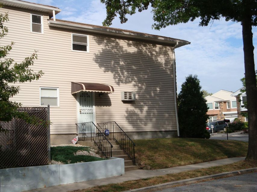 Single Family Home for Rent at 4 Adam Court Staten Island, New York 10314 United States