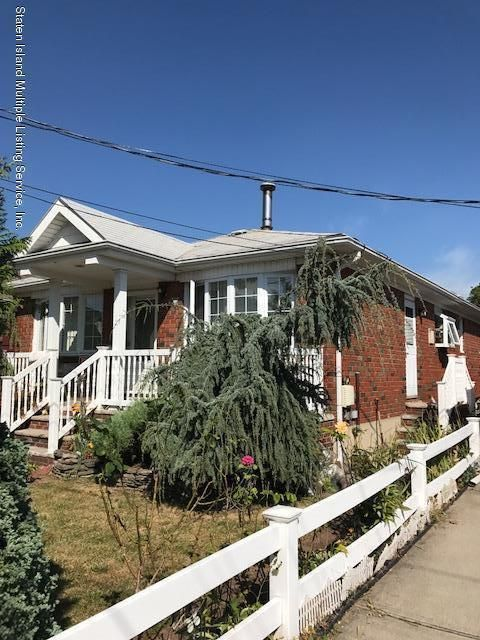 Additional photo for property listing at 381 Adelaide Avenue  Staten Island, New York 10306 United States