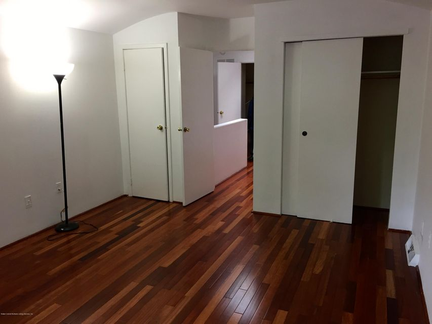 Additional photo for property listing at 112 Surfside Plaza  Staten Island, New York 10307 United States