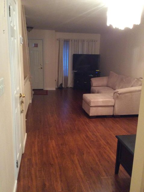 Additional photo for property listing at 20 Union Court  Staten Island, New York 10303 United States