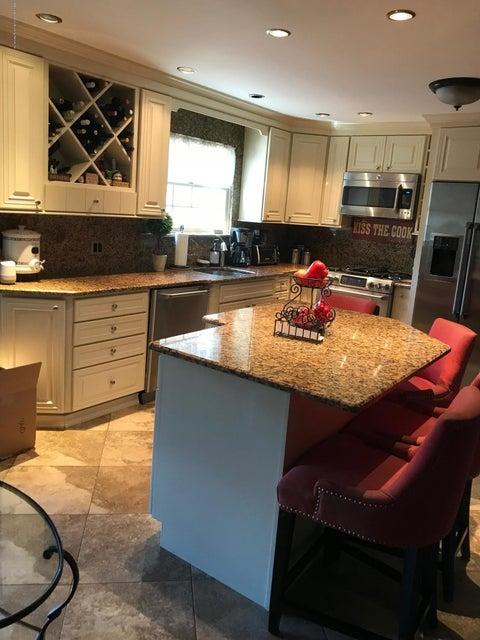Additional photo for property listing at 84 Idaho Avenue  Staten Island, New York 10309 United States
