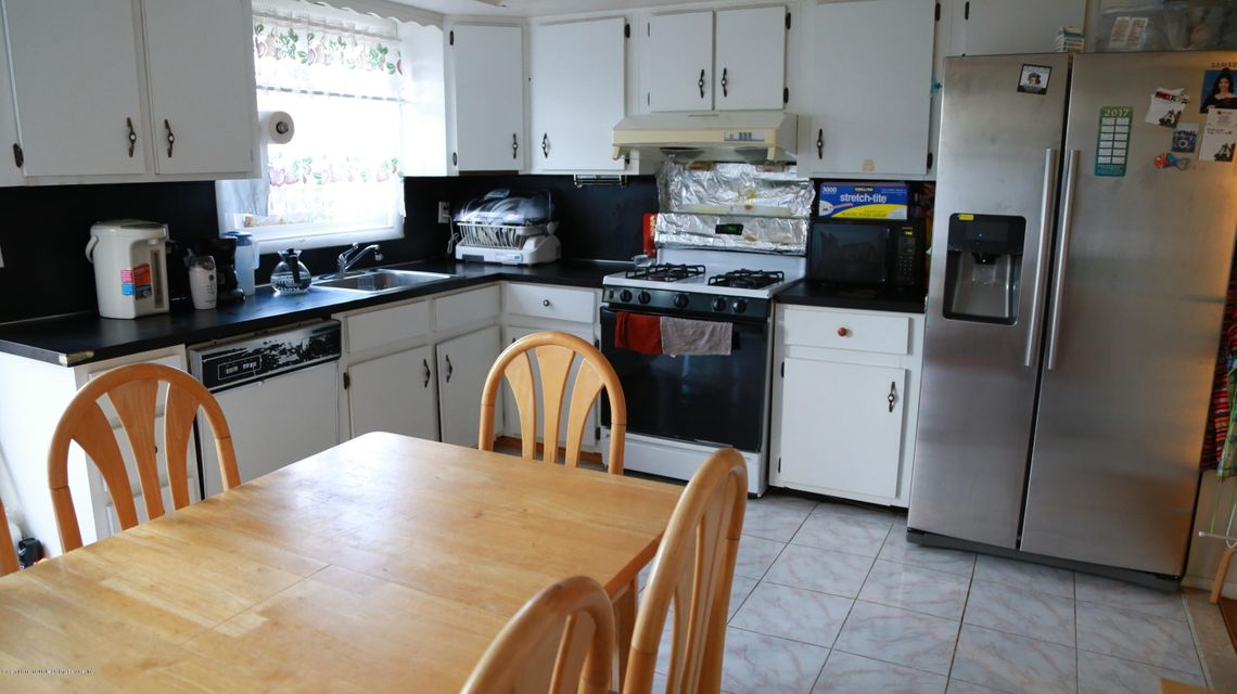 Single Family - Semi-Attached 190 Mcveigh Avenue  Staten Island, NY 10314, MLS-1114272-4