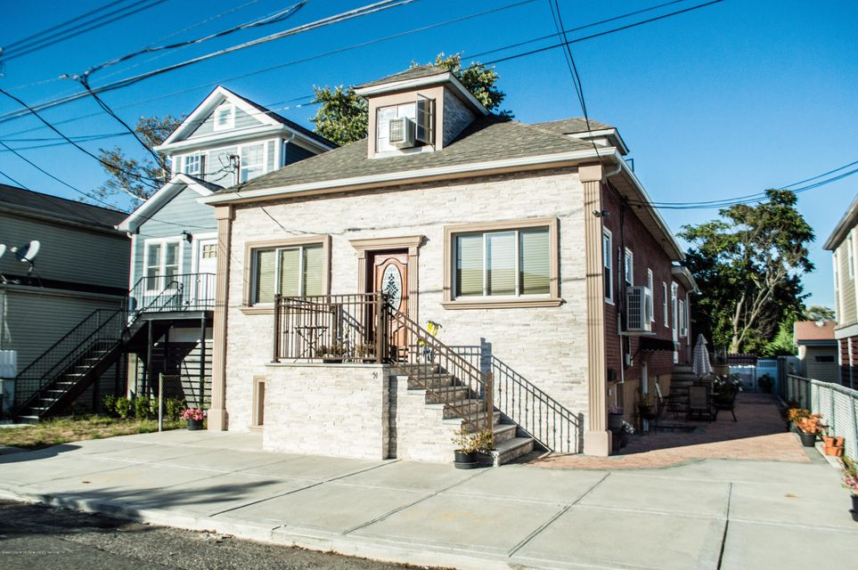 Single Family Home for Sale at 51 Beacon Place Staten Island, New York 10306 United States