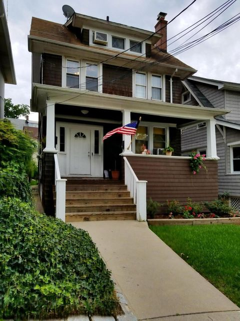Single Family Home for Sale at 366 Woodstock Avenue Staten Island, New York 10301 United States