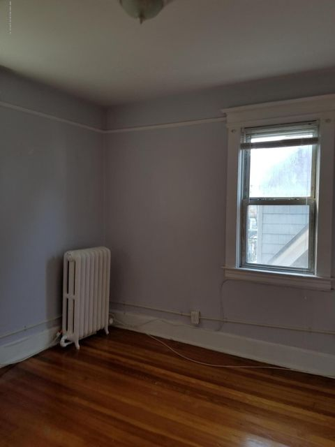 Additional photo for property listing at 366 Woodstock Avenue  Staten Island, New York 10301 United States