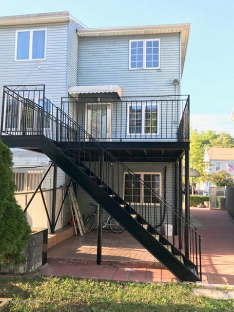 Single Family - Semi-Attached 16 St Johns Avenue  Staten Island, NY 10305, MLS-1114042-21