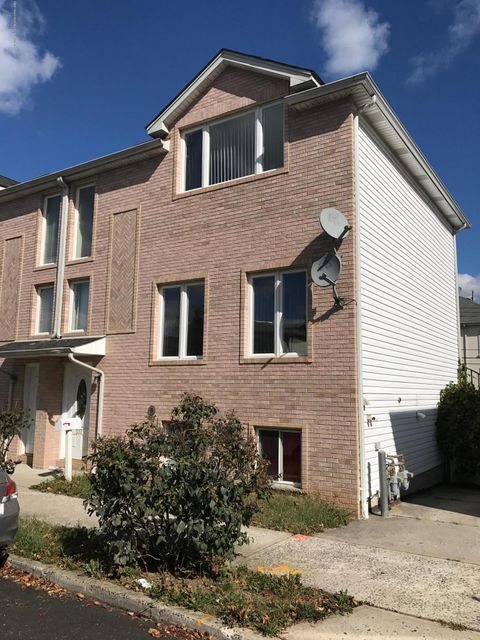 Single Family Home for Rent at 337 Hamden Avenue Staten Island, New York 10306 United States