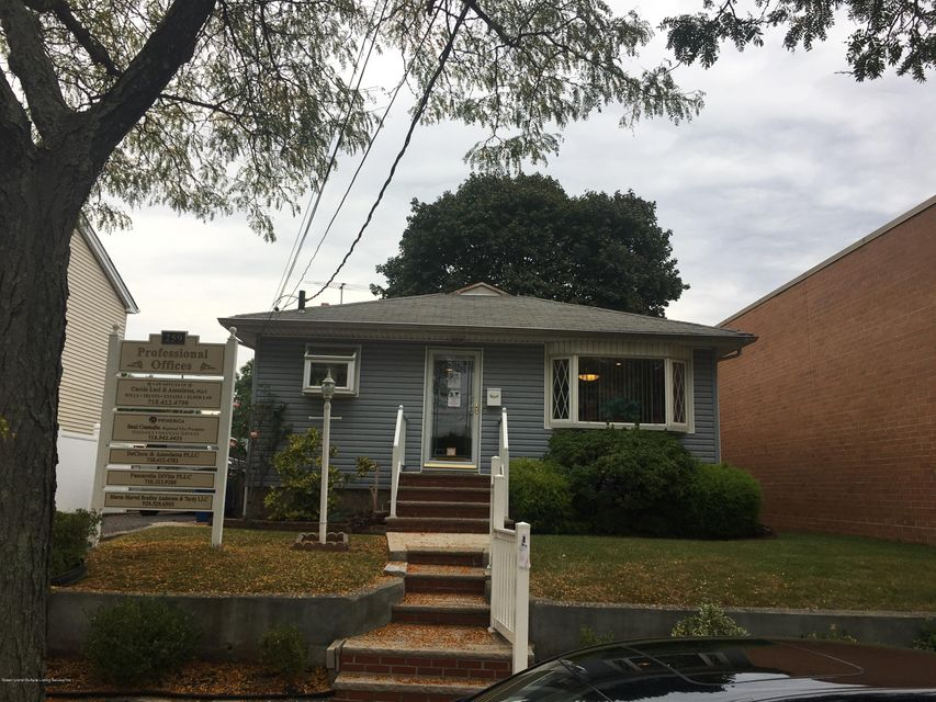 Commercial for Rent at 259 Liberty Avenue Staten Island, New York 10305 United States