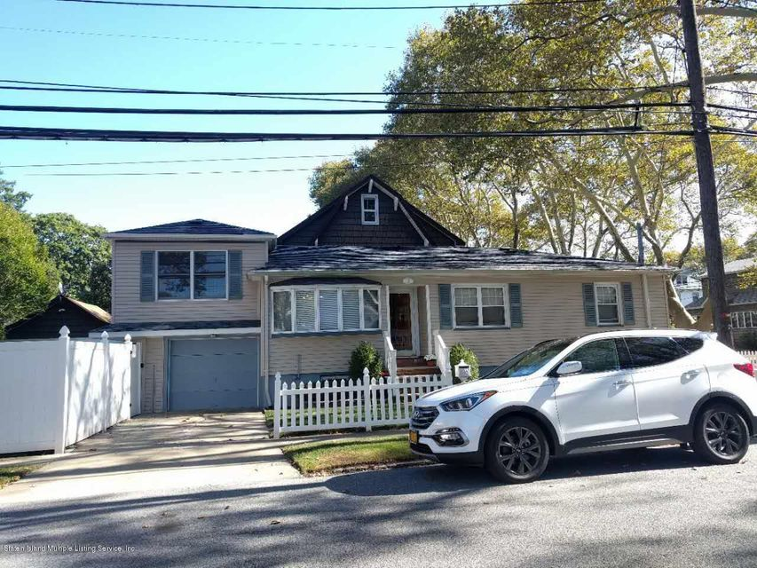 Single Family Home for Sale at 118 Clawson Street Staten Island, New York 10306 United States