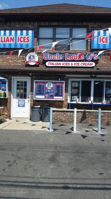 Commercial for Rent at 311 Page Avenue Staten Island, 10307 United States