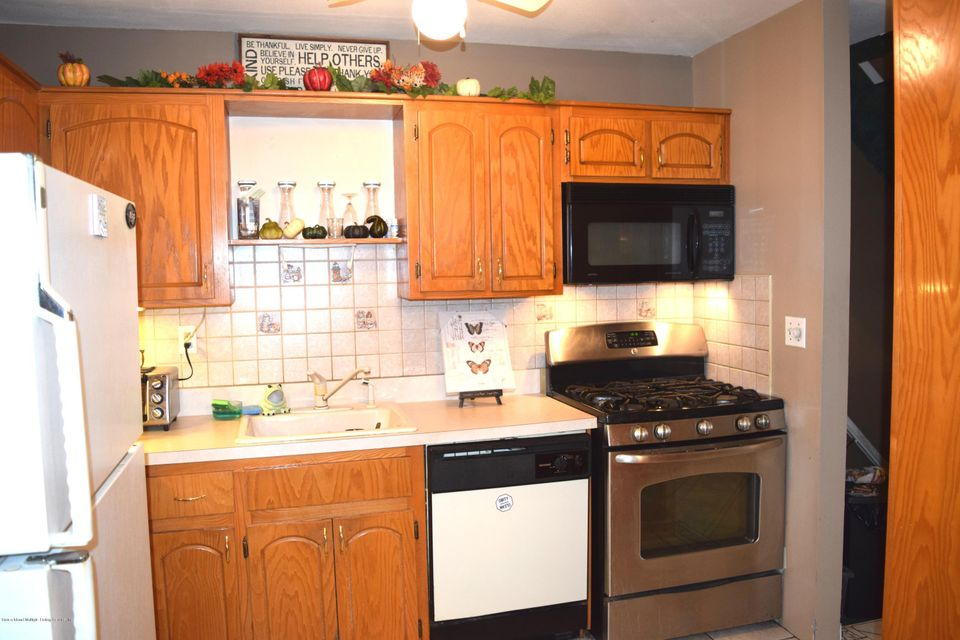 Single Family - Attached 11 Wildwood Lane  Staten Island, NY 10307, MLS-1113809-4