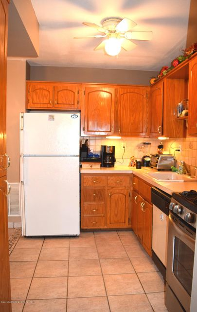Single Family - Attached 11 Wildwood Lane  Staten Island, NY 10307, MLS-1113809-5