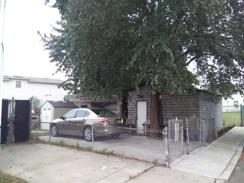 Single Family - Detached 3146 Richmond Terrace  Staten Island, NY 10303, MLS-1114303-25