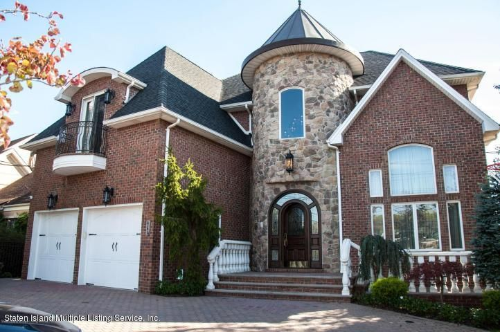 Single Family - Detached in Todt Hill - 444 Flagg Place  Staten Island, NY 10304