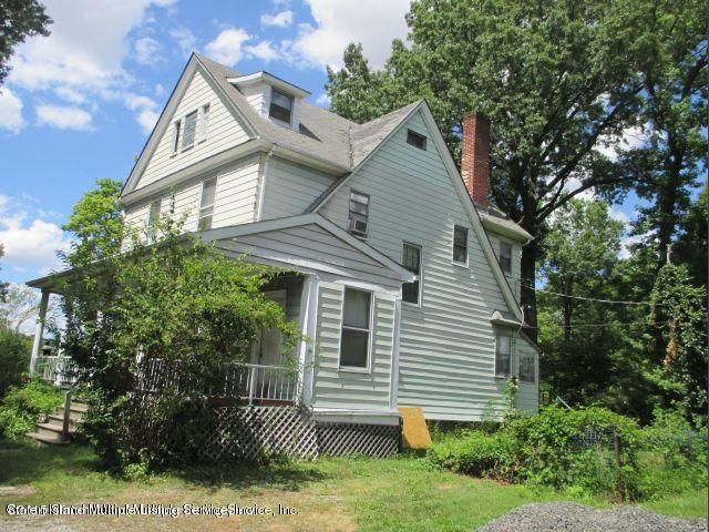 Single Family Home for Sale at 3 Gordon Place Staten Island, New York 10301 United States