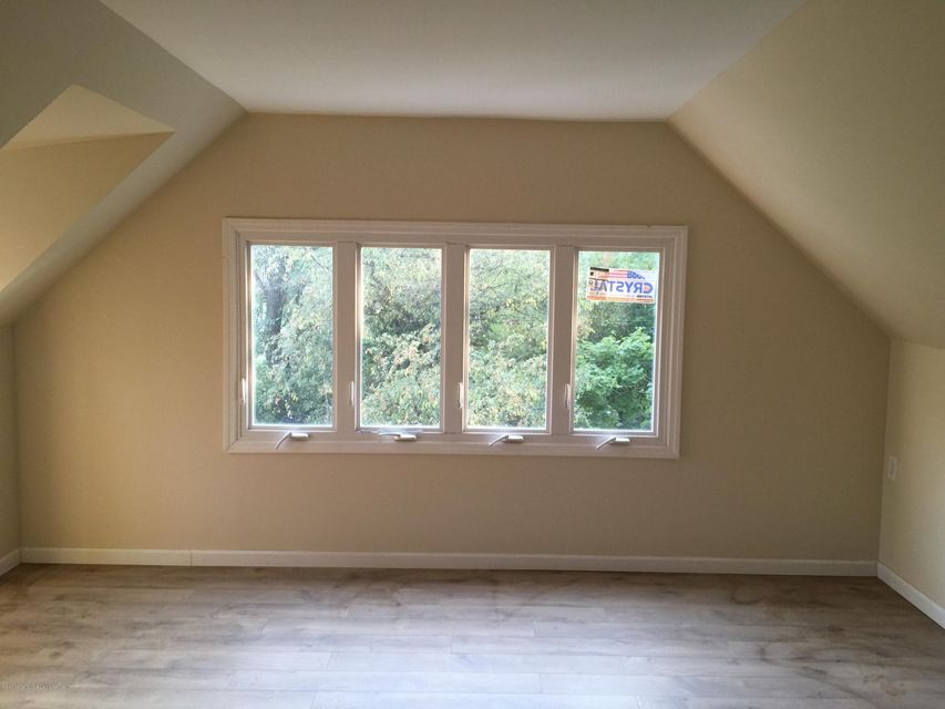 Additional photo for property listing at 3 Gordon Place  Staten Island, New York 10301 United States