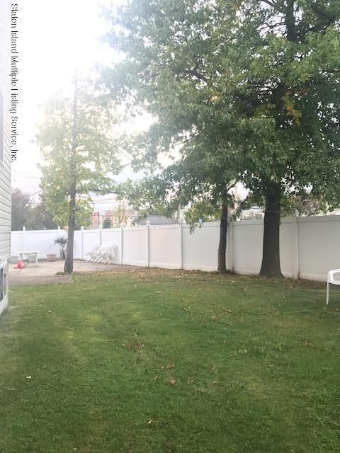 Additional photo for property listing at 106 Ormsby Avenue  Staten Island, New York 10309 United States