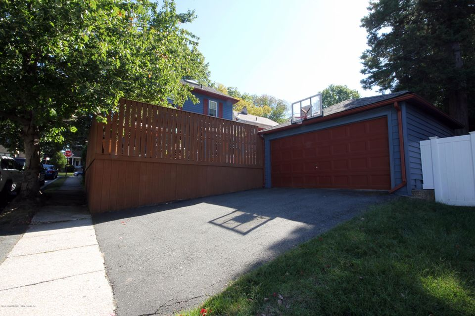 Additional photo for property listing at 550 Bard Avenue  Staten Island, New York 10310 United States