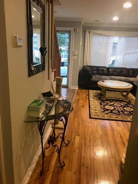 Additional photo for property listing at 48 Garden Street  Staten Island, New York 10314 United States