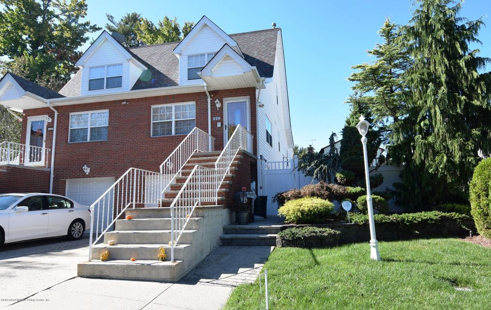 Single Family Home for Sale at 226 Doane Avenue Staten Island, New York 10308 United States