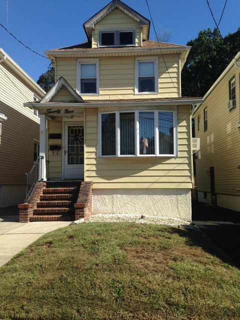Single Family Home for Sale at 29 O'Connor Avenue Staten Island, New York 10314 United States