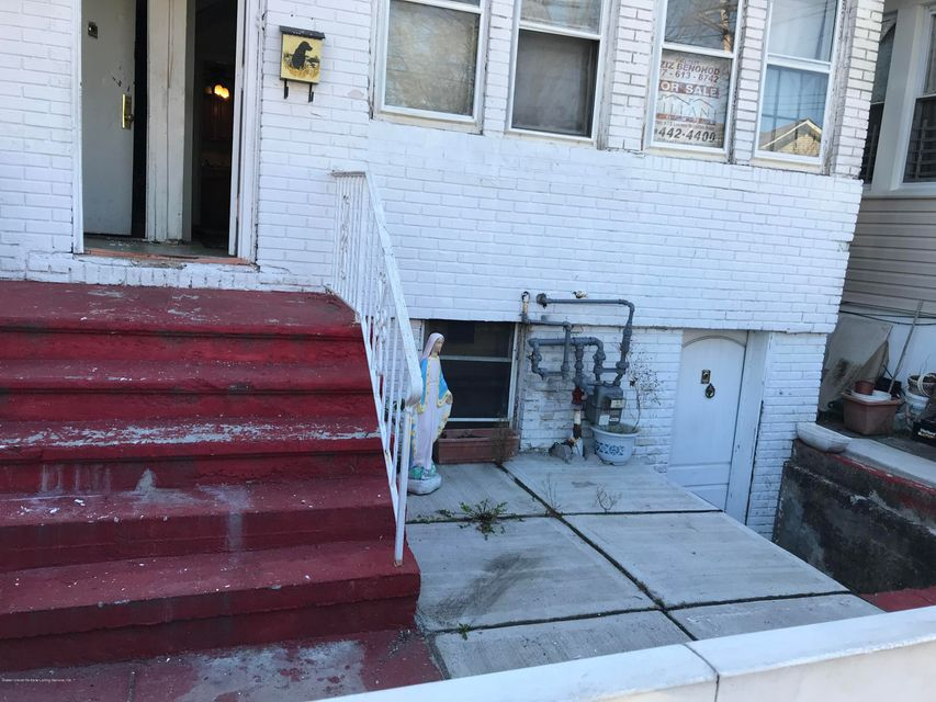 Two Family - Detached 190 Grandview Avenue  Staten Island, NY 10303, MLS-1114438-3