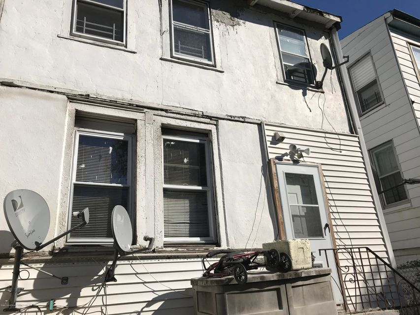Two Family - Detached 190 Grandview Avenue  Staten Island, NY 10303, MLS-1114438-18