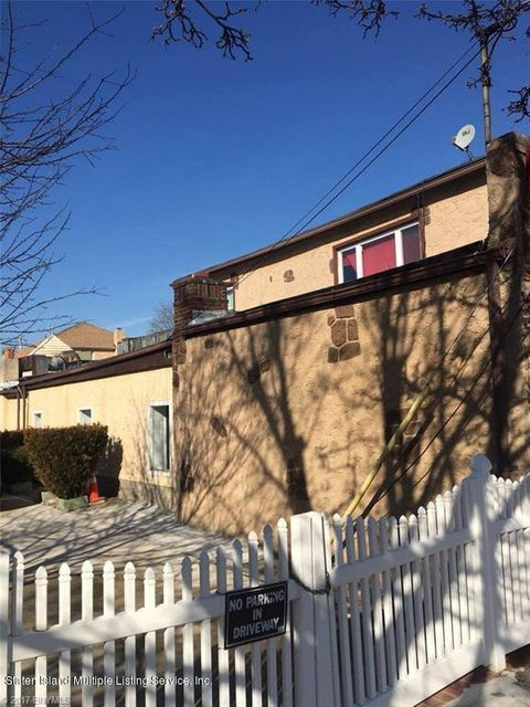 Additional photo for property listing at 121 Roma Avenue  Staten Island, New York 10306 United States