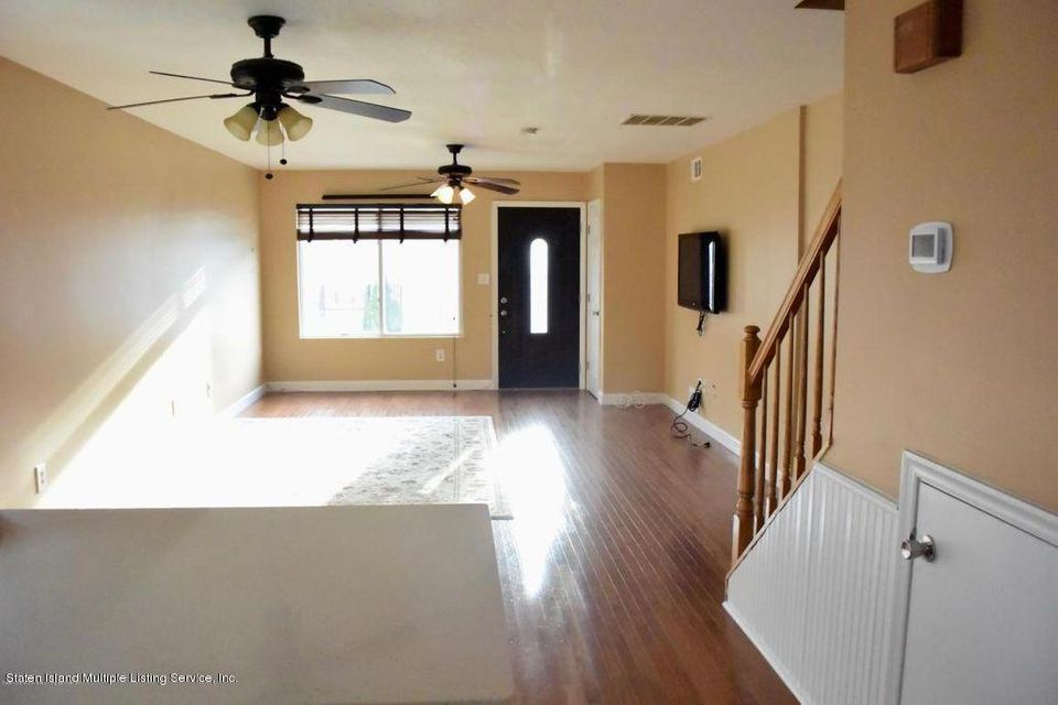 Additional photo for property listing at 27 Bentley Lane  Staten Island, New York 10307 United States