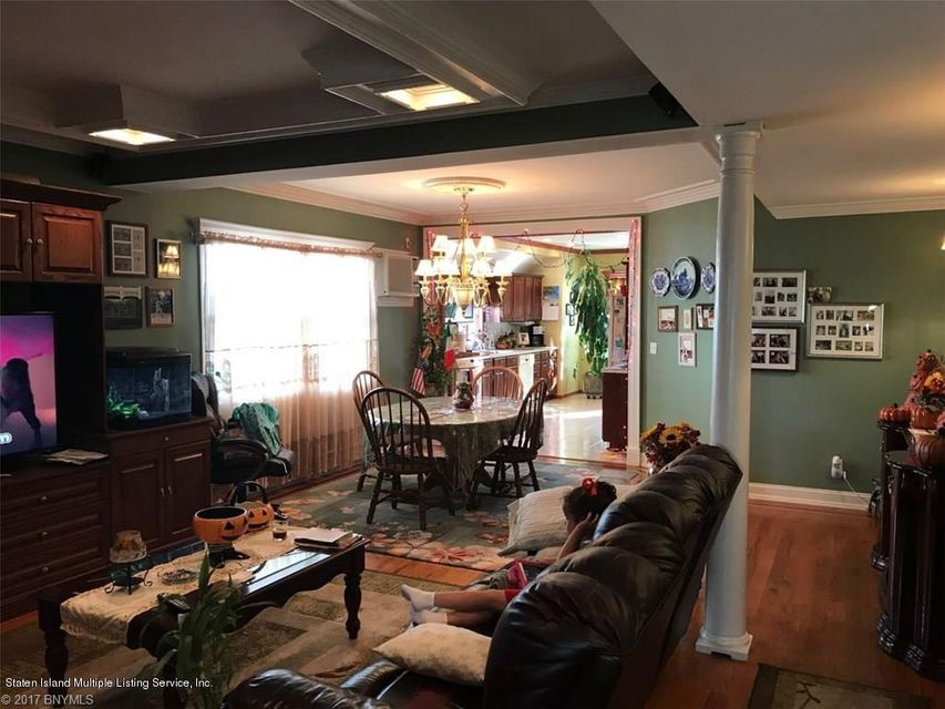 Additional photo for property listing at 184 Benton Avenue  Staten Island, New York 10305 United States