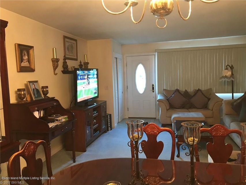 Additional photo for property listing at 435 Wooley Avenue  Staten Island, New York 10314 United States