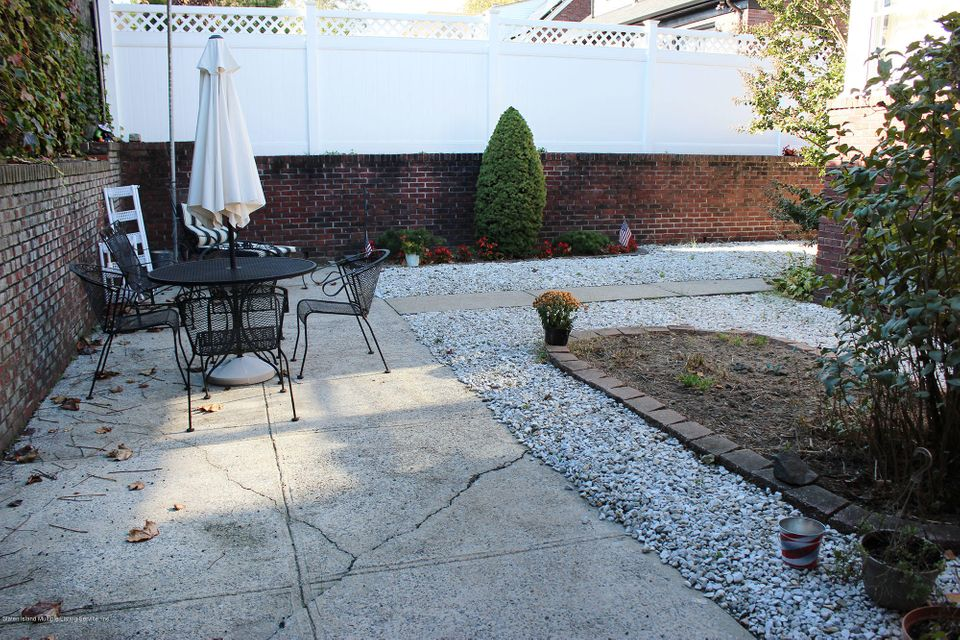 Additional photo for property listing at 136 Jacques Avenue  Staten Island, New York 10306 United States