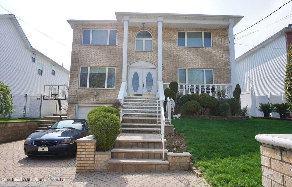 Single Family Home for Sale at 582 Yetman Avenue Staten Island, New York 10307 United States