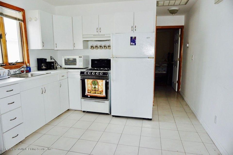 Additional photo for property listing at 582 Yetman Avenue  Staten Island, New York 10307 United States