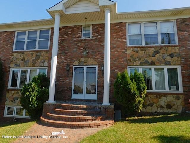 Single Family Home for Sale at 325 Todt Hill Road Staten Island, New York 10314 United States