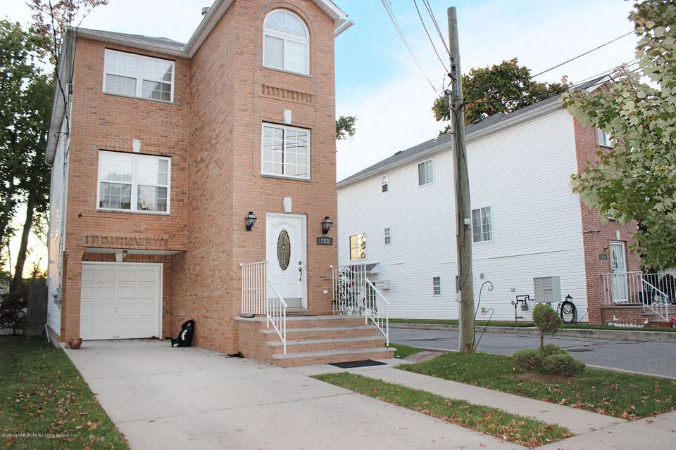 Two Family - Detached in Mariners Harbor - 268 Harbor Road  Staten Island, NY 10303