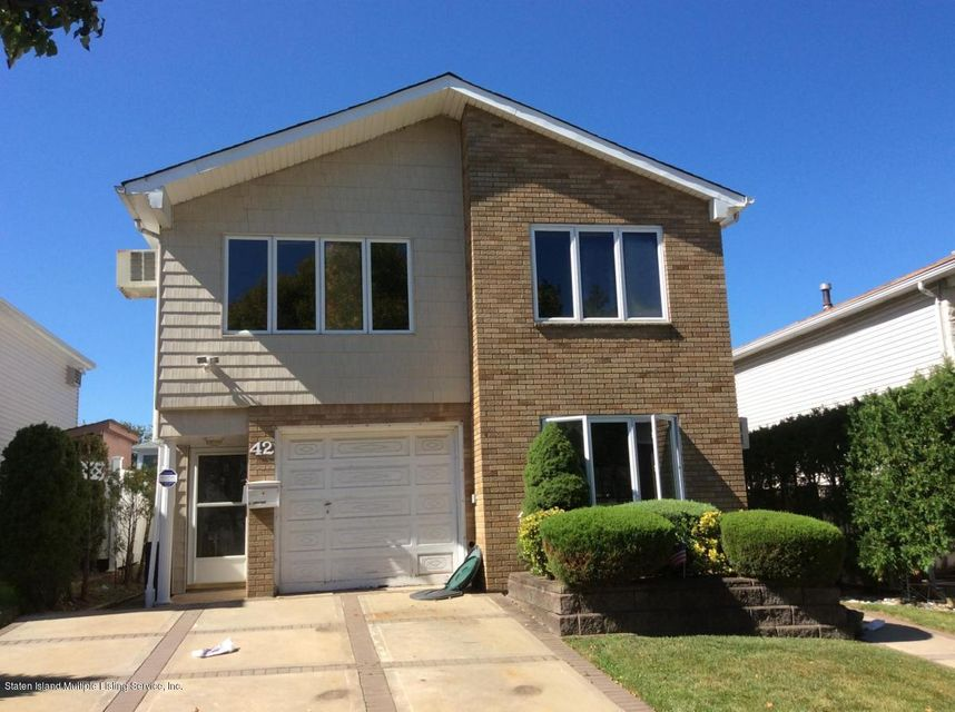 Single Family Home for Rent at 42 Mcarthur Avenue Staten Island, New York 10312 United States