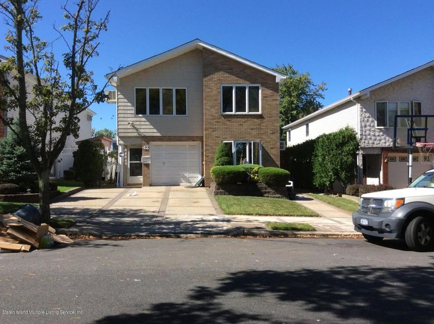 Additional photo for property listing at 42 Mcarthur Avenue  Staten Island, New York 10312 United States