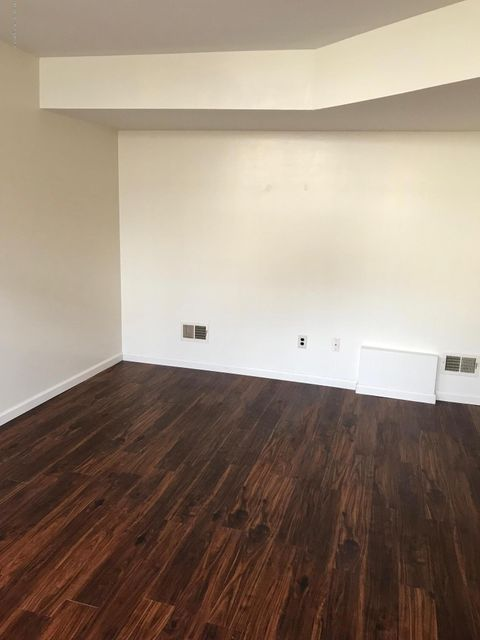 Additional photo for property listing at 861 Rossville Avenue  Staten Island, New York 10309 United States